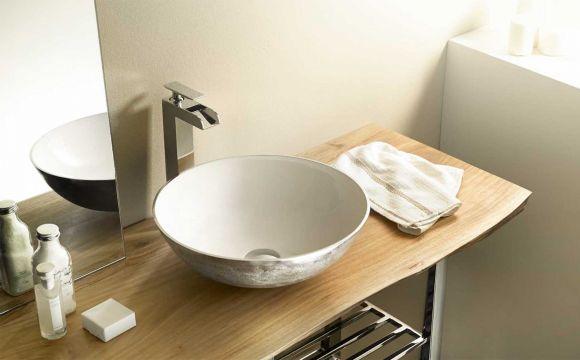Los baños se revitalizan con encimeras de acacia y teca - Forestal ...