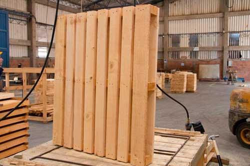 El reciclaje de estibas y material de embalaje de madera forestal maderero - Reciclaje de la madera ...