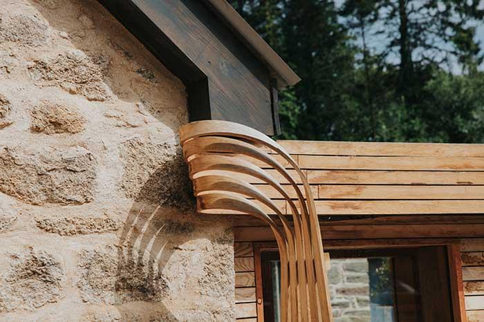 Casa de madera curvada al vapor realizada por un diseñador de ...